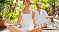El yoga te relaja la mente y elimina los pensamientos negativos de tu vida.