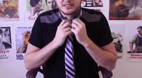 Te presentamos cómo anudar una corbata en 10 segundos sin mirar en el espejo.