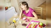 ¿Sabes por qué te da sueño después de comer?