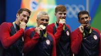 La verdadera razón de por qué los deportistas muerden sus medallas