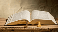 """El escritor y poeta norteamericano Jesse Ballindicó que la Biblia es """"muy valorada"""" por las personas que, supuestamente, viven de acuerdo con sus principios"""