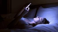 La Fundación Nacional del Sueño, en EE.UU. advirtió sobre los peligros de usar algún dispositivo antes de ir a dormir