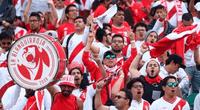 """Miles de hinchas peruanos entonaron con emoción el emblemático tema """"Contigo Perú"""" en Rusia 2018"""