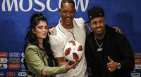 Luego de la conferencia que ofrecieron los artistas dieron detalles sobre sus jugadores predilectos del Mundial.
