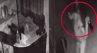Antes de darse a la fuga, delincuente agarró unas pesas y entrenó sus brazos.