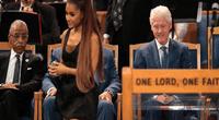 "Internautas critican a Bill Clinton de ""mañoso"" por sus miradas a Ariana Grande en funeral de Aretha Franklin"