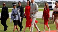 Meghan Markle se convirtió en blanco de burlas por un peculiar detalle de su vestido