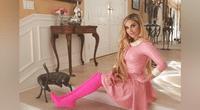 """Se implanta 100 agujas en los glúteos para parecerse a """"Barbie"""" y su aspecto es doloroso."""
