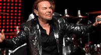 """Fernando Olvera, más conocido como """"Fher"""" de Maná, causó polémica en las redes sociales tras su presentación en la gala de los Latin Grammy"""
