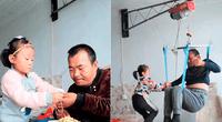 Jia Jia cuida de su padre luego de que su madre los abandonara.