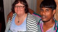 La viuda ha vuelto a su país endeudada y sin un hogar.