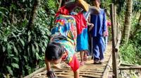 Niño discapacitado camina 6 kilómetros sobre sus manos para ir al colegio y ser un astronauta.