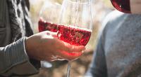Empresa de bebidas alcohólicas, con colaboración de científicos, ha creado una curiosa agua con sabor a vino que no emborracha