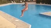 Chica intenta gran salto en piscina, pero falla y recibe brutal golpe.