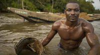 Mineros de Camerún encienden redes sociales con sus músculos