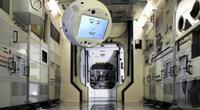 """CIMON-2, el robot """"empático"""" con inteligencia artificial que ayuda a los astronautas a no sentirse solos (VIDEO)"""