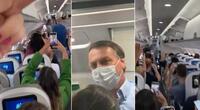 Bolsonaro fue recibido con gritos en un vuelo comercial.
