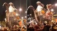 Simpatizantes de Perú Libre simularon que dos ratas bailaran la canción de Chayanne.