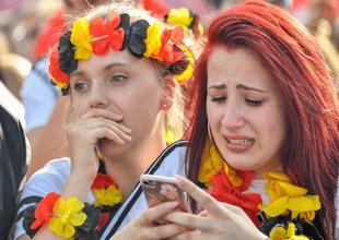 Entre lágrimas y rabia despidieron los hinchas alemanes a su equipo del Mundial.
