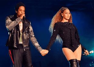 Beyoncé pasó por un tenso momento durante su último concierto cuando un hombre subió intempestivamente al escenario