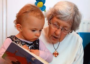 """¿Qué país dará sueldo a las """"abuelitas"""" que cuiden a sus nietos? Programa promete ser un éxito."""
