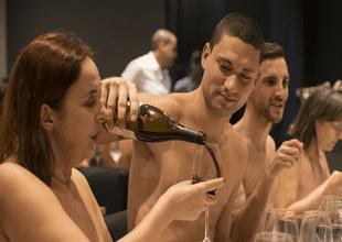 Primer restaurante nudista cierra sus puertas y dueños explican su fracaso.
