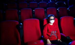 'Los cines no sobrevivirían a la pandemia': Cineastas piden ayuda al Congreso de EEUU