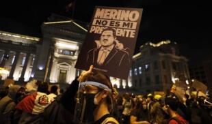 Decenas de familias aún esperan, angustiados, por el regreso de sus familiares que asistieron a la Marcha Nacional contra el gobierno de Manuel Merino./Fuente: La República.