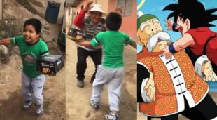 Niño y su abuelo imitan escena de Dragon Ball.