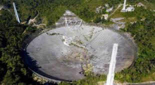 El radiotelescopio de Arecibo colapsó la mañana del 1 de diciembre de 2020, entristeciendo a la comunidad científica mundial./Fuente: Getty Images.