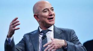Jeff Bezos, fundador de Amazon, dejará el cargo de CEO y se lo cederá a Andy Jassy, uno de sus empleados más veteranos y confiables./Fuente: Getty Images.