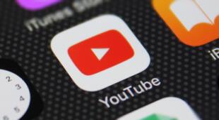 El YouTuber fue asesinado por un transeúnte que portaba un arma de fuego y le disparó para tratar de defenderse de su robo de broma./Fuente: Getty Images.