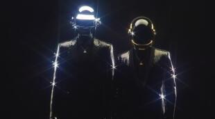 Daft Punk, el legendario dúo musical que puso a bailar a generaciones, le dice adiós al mundo de la música./Fuente: David Black.