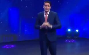 Paco Bazán regresa tras suspensión por desinformar y pide disculpas públicas