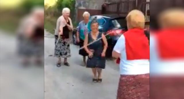 El tierno juego de estas cuatro abuelitas conmoverá tu corazón