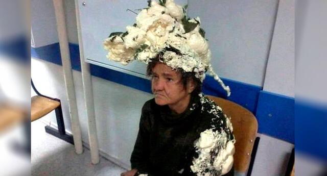 Viral: Mujer confunde espuma de construcción con espuma para el cabello