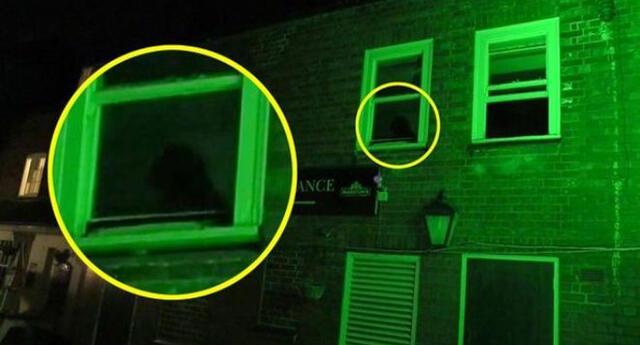 La misteriosa figura que acecha un bar durante las noches y que aterroriza a todos