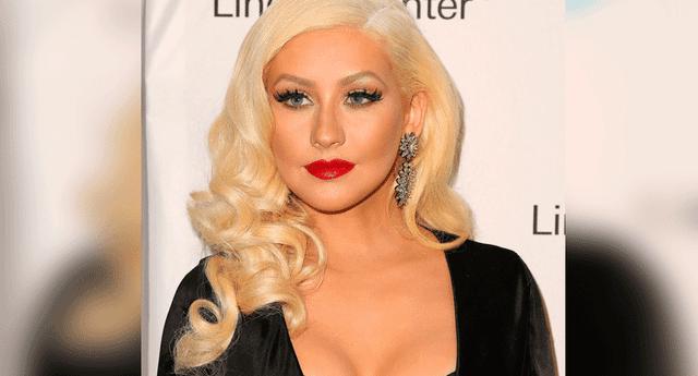 """Christina Aguilera sorprendió a sus seguidores al mostrar aparentes """"retoques"""" en su rostro"""