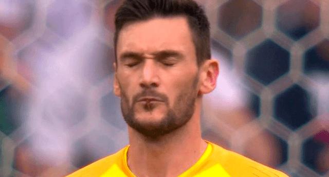 El arquero francés Hugo Lloris estuvo a punto de comerse un bicho durante el partido Francia vs Uruguay