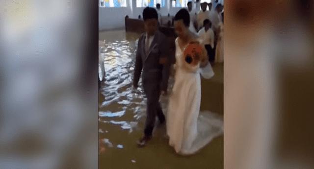 Matrimonio en plena inundación se convirtió en viral.