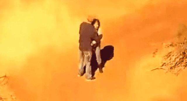 Pareja de criminales protagonizó una romántica escena antes de entregarse a la Policía.