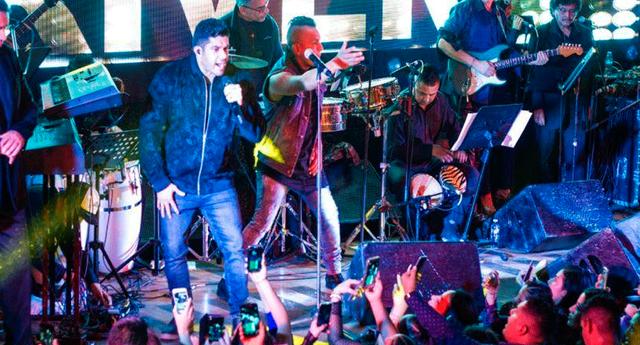 Jerry Rivera sufrió una aparatosa caída durante su último concierto en Ecuador