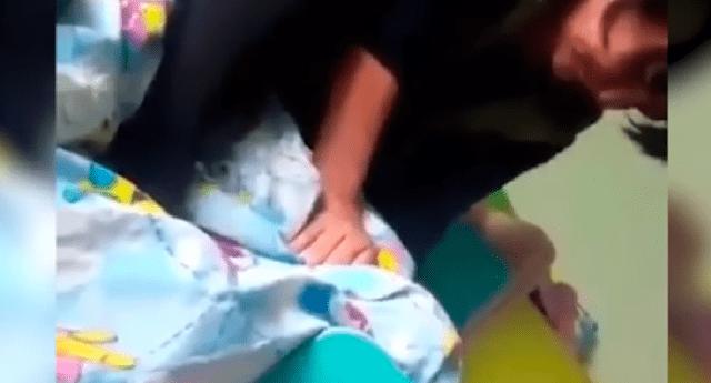 La profesora atacó fríamente a su pequeña alumna.