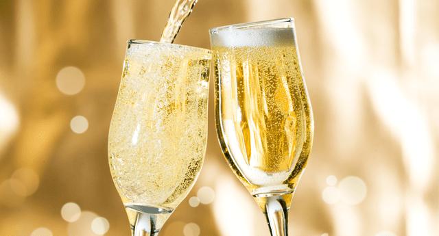De acuerdo a la investigación, los beneficios del champagne para la memoria se deben al ácido fenólico presente en las uvas negras