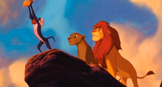 """Monos han causado furor en las redes al recrear una icónica escena de la película """"El Rey León""""."""