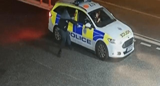 El ladrón se enfrentó a dos policías
