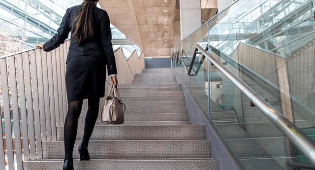 Estudio reveló quesubir escaleras puede mostrar o predecir el riesgo de muerte prematura por enfermedades cardíacas