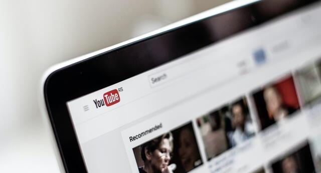 YouTube retirará una de las funciones para creadores de contenido y usuarios con problemas auditivos. | Fuente: Unsplash.