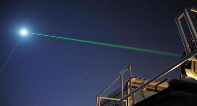 ¡Increíble! NASA consigue reflejar rayo láser en la Luna después de 10 años (VIDEO)