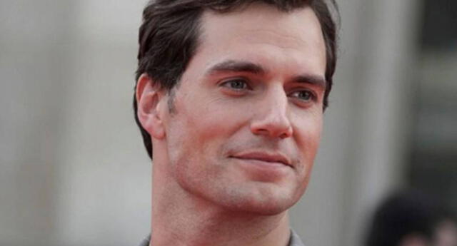 Una inteligencia artificial elige a Henry Cavill como el próximo James Bond